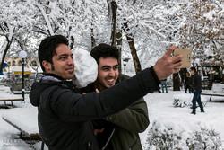 تساقط الثلج بمدينة تبريز في بداية الربيع