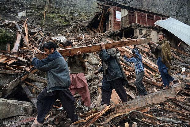 لاہور میں مکان کی چھت گرنے سے ایک ہی خاندان کے 5 افراد جاں بحق