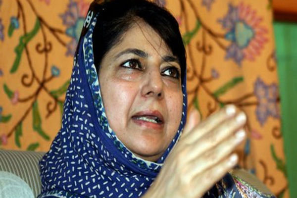 محبوبہ مفتی کشمیر کی پہلی خاتون وزير اعلی بن گئی ہیں