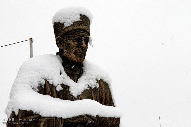 بارش برف و برودت هوا در اردبیل