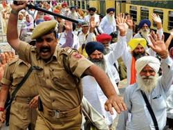 بھارت کے یوم آزادی کے موقع پر سکھوں نے خالصتان کا پرچم لہرا دیا