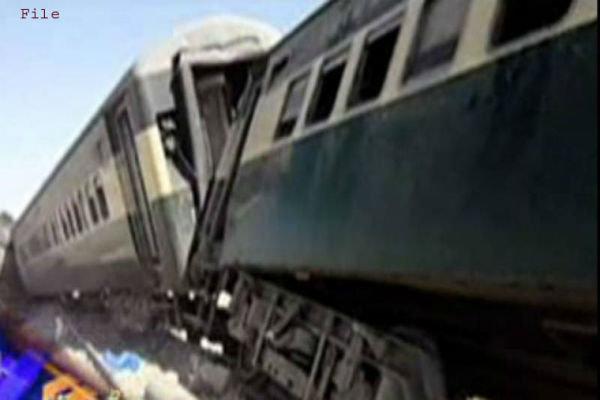 پاکستان میں مسافر ٹرین پر راکٹ حملہ سے ایک شخص ہلاک