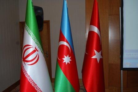 ایران، ترکی اور آذربائیجان کے وزراء خارجہ کا سہ فریقی اجلاس
