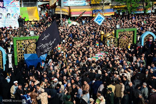 تشییع پیکر مطهر شهید مدافع حرم جمال رضی در آستانه اشرفیه