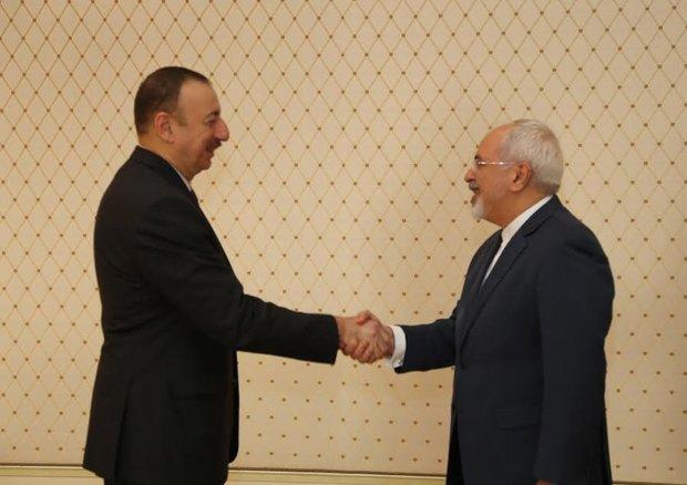 ظريف يلتقي بالرئيس الأذربيجاني الهام علييف