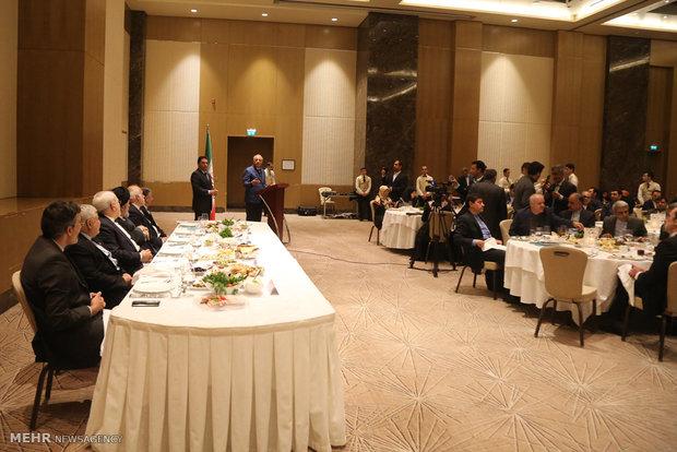 دیدار وزیرامورخارجه با با ایرانیان مقیم جمهوری آذربایجان