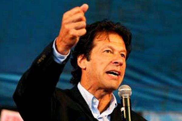 عمران خان کا وزیر اعظم نواز شریف سے استعفی کا مطالبہ
