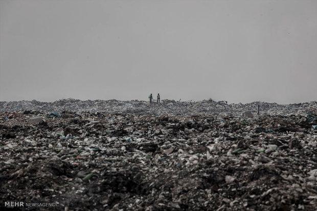 زندگی کودکان عراقی در میان زباله ها