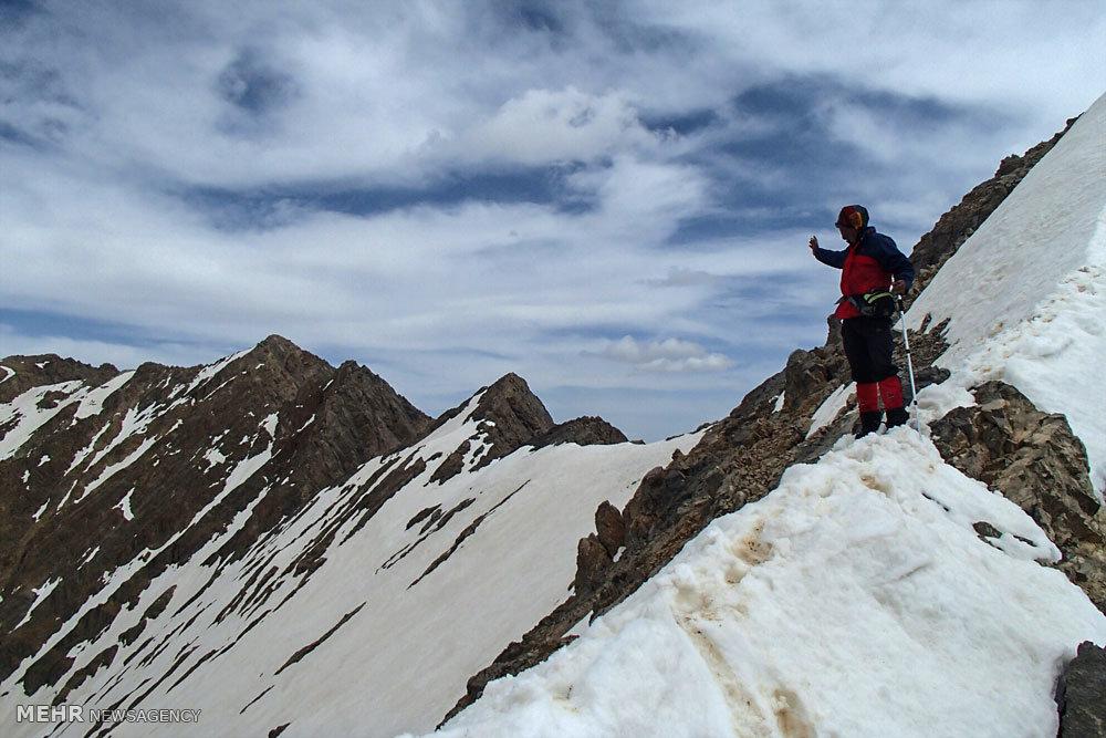 ۸ کوهنورد در اشترانکوه مفقود شدند/ یک نفر جان باخت/ پیدا شدن کولهپشتی سایر مفقودین