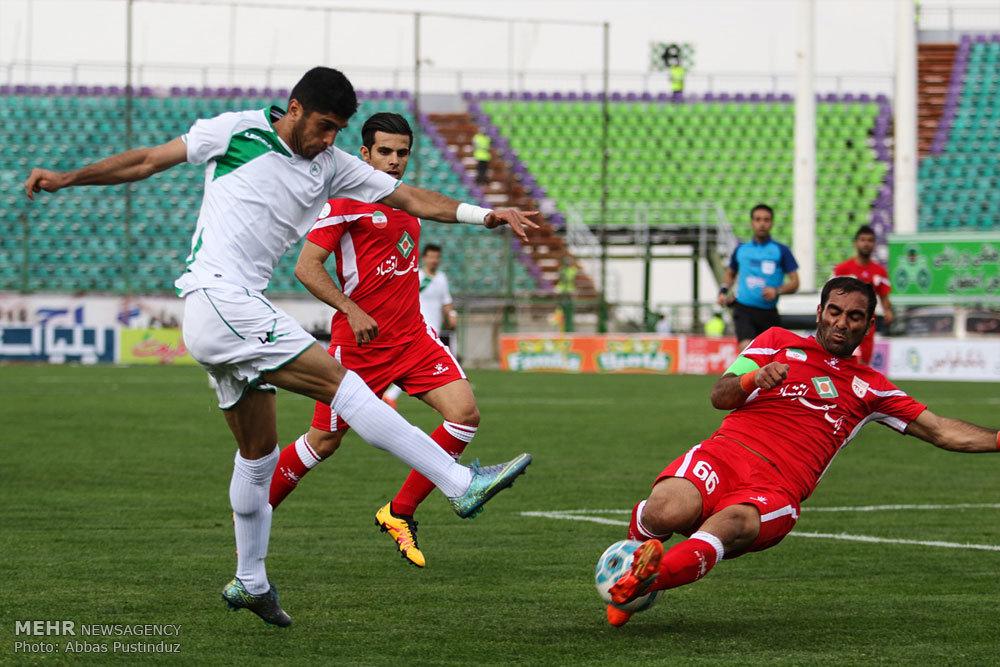 مباراة ذوب آهن اصفهان وتراكتورسازي تبريز