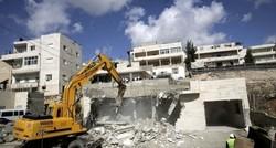 İsrail Kudüs'te Filistinlilere ait bir evi daha yıktı