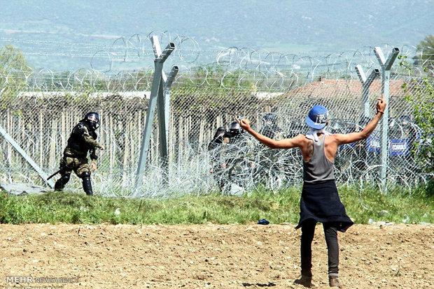 حمله پلیس مقدونیه به پناهجویان