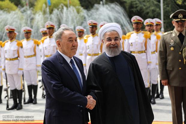 صدر روحانی کا قزاقستان کے صدر کا باقاعدہ استقبال