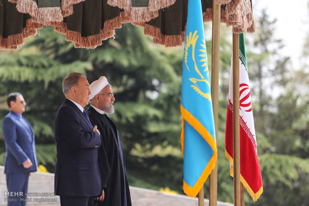Rouhani welcomes Kazakh president in Tehran