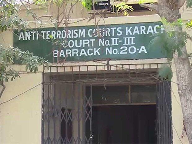 کراچی کی عدالت میں بم پھٹنے سے 2 افراد زخمی