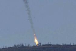 """مناورات """"محمد رسول الله """" : اطلاق صواريخ طوفان على ناقلات جند تحمل العلم الامريكي"""
