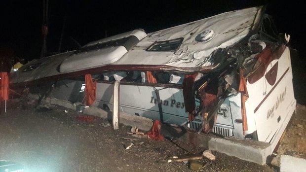 واژگوني اتوبوس در دهدز