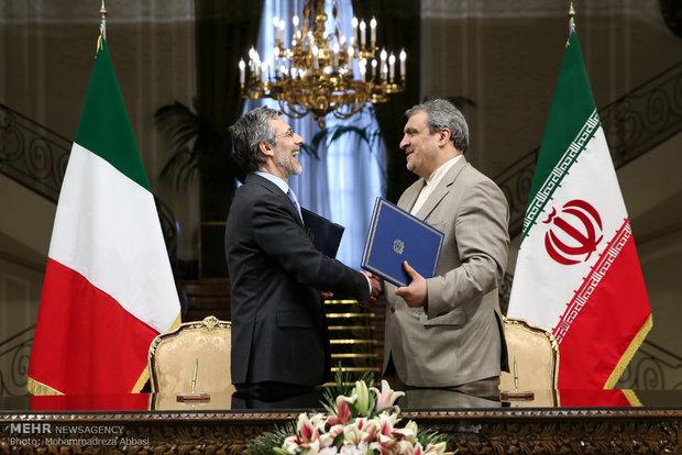 ايران وايطاليا توقعان على 6 مذكرات تفاهم واتفاقية للتعاون الثنائي