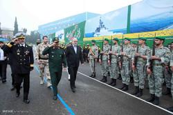 تحویل دهی داک 2000 تنی گیلان به نیروی دریایی ارتش