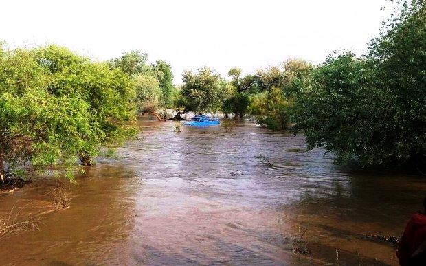 سیل به اهواز رسید/ سیلاب جمعه صبح به آبادان و خرمشهر میرسد