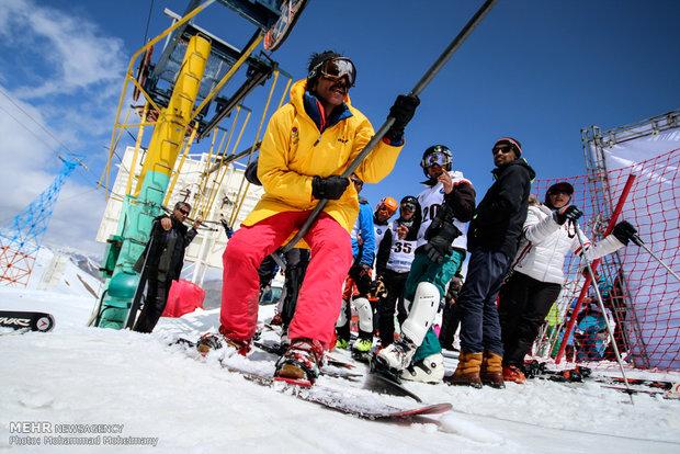 مسابقات التزحلق على الجليد والتزلج الدولي في منتجع ديزين