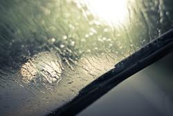 بارندگی شدید در راه گلستان/مسافران از حاشیه رودخانه فاصله بگیرند