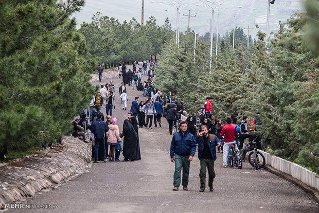 همایش پیاده روی خانوادگی به مناسبنت روز ارتش در قزوین