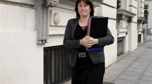 وزيرة النقل البلجيكية تستقيل بعد جدل حول أمن المطارات اثر اعتداءات بروكسل