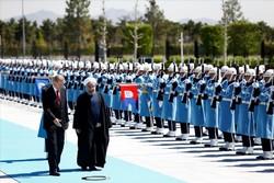 Erdoğan, İslam Zirvesi sonrası Ruhani'yi ağırladı