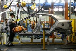 خودروسازان در حال رایزنی با شورای رقابت برای افزایش قیمت