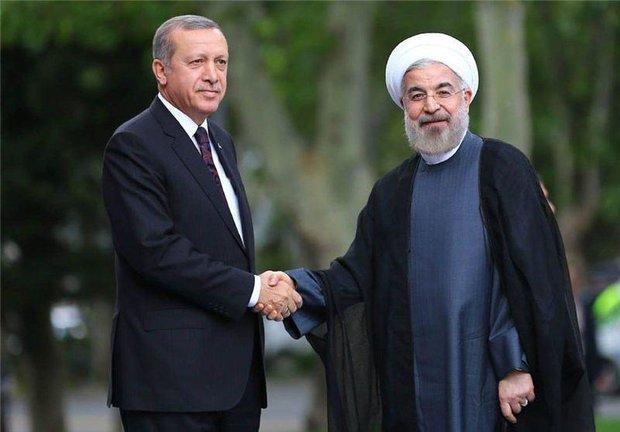 انقرہ میں ترکی کے صدر نے ایرانی صدر کا باقاعدہ استقبال کیا