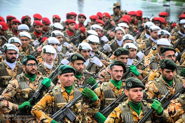 مراسم رژه روز ارتش جمهوری اسلامی در گرگان