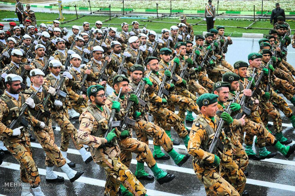 مراسم رژه روز ارتش جمهوری اسلامی در استانها