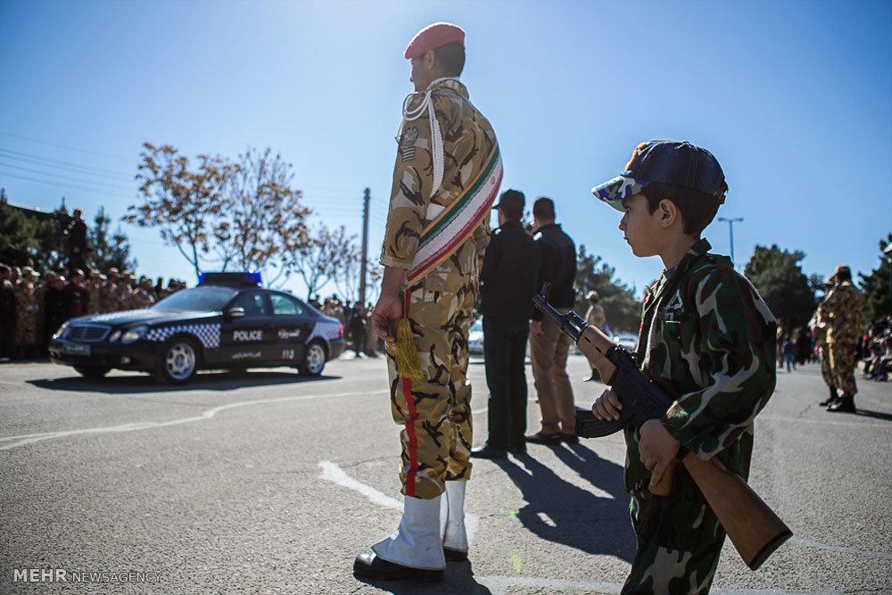 مراسم رژه روز ارتش جمهوری اسلامی در قزوین