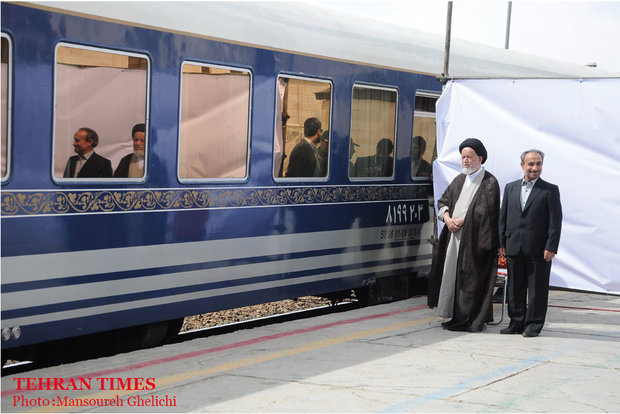 President Rouhani visits Semnan by train
