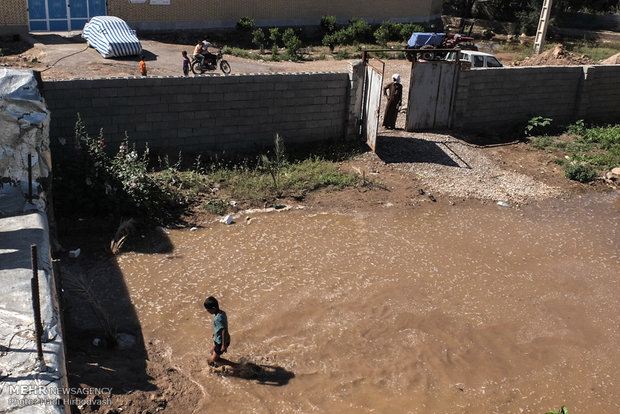 امداد رسانی به مناطق سیل زده خوزستان