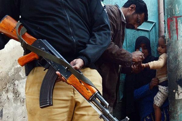 پاکستانی فورسز نے 6 اسمگلرزکو گرفتارکرلیا