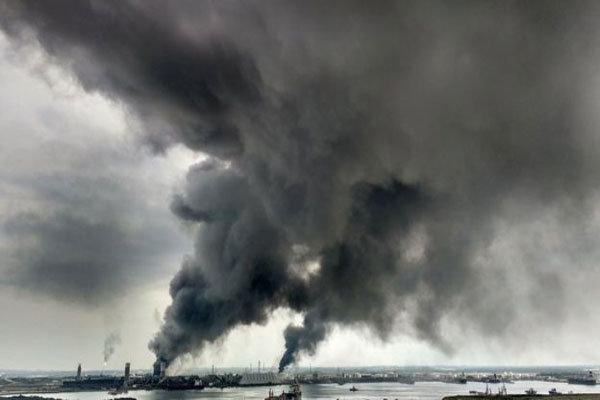 میکسیکو میں تیل کی تنصیبات میں دھماکہ