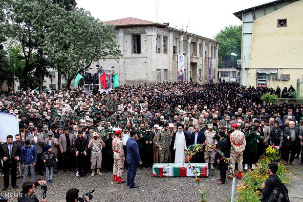 مراسم تشییع شهید مدافع حرم افشین زورقی