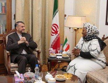 İran ve Güney Afrika, Suriye ve Yemen krizlerinin siyasi yolla çözümünden yana