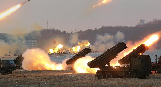 كوريا الشمالية تنشر 300 وحدة من قاذفات الصواريخ على الحدود
