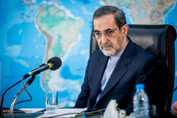 ولايتي: ايران وروسيا ماضيتان في تطوير العلاقات على أوسع نطاق