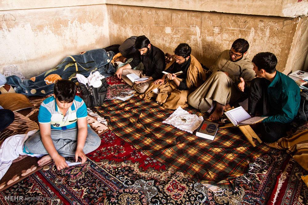 مراسم معنوی اعتکاف در  مسجد جامع و حوزه علمیه امام خمینی  (ره) کاشان