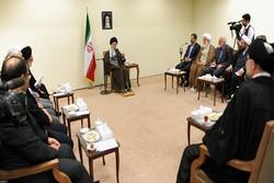 قائد الثورة: لا يمكن تحقيق الحضارة الاسلامية دون الرجوع الى النموذج الاسلامي–الايراني المتقدم