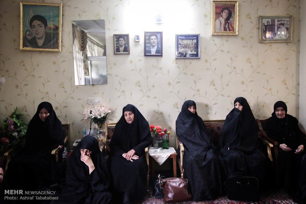 تشییع پیکر مادر شهیدان علی بخشی
