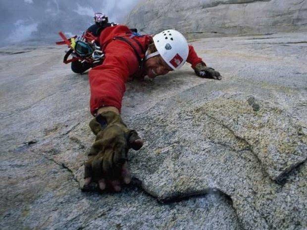 امریکی کوہ پیما کی  لاش 16 سال بعد ہمالیہ کی پہاڑیوں سے مل گئی