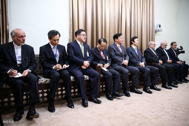 استقلا قائد الثورة الاسلامية آية الله السيد علي الخامنئي رئيسة كوريا الجنوبية بارك غون هي