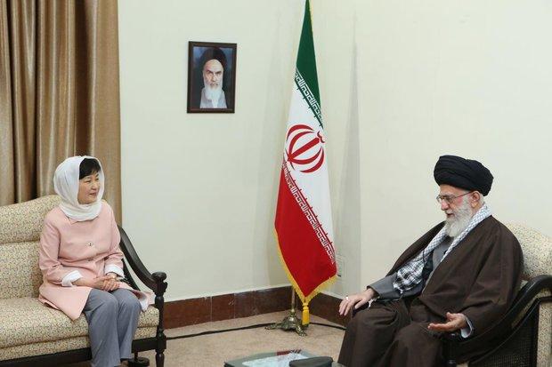 Iran-S Korea ties should be 'free of US effect'