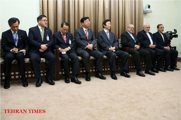 Leader receives Korean President Park