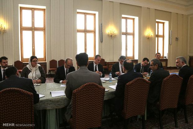 Deputy FM meets with French FM Secretary General